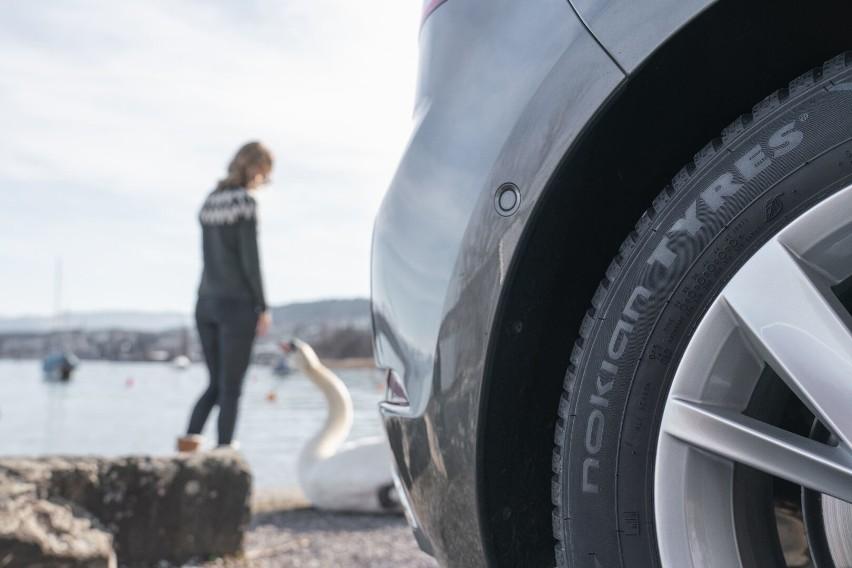 Nowe całoroczne opony skandynawskiego producenta zapewniają niezawodną i bezpieczną jazdę