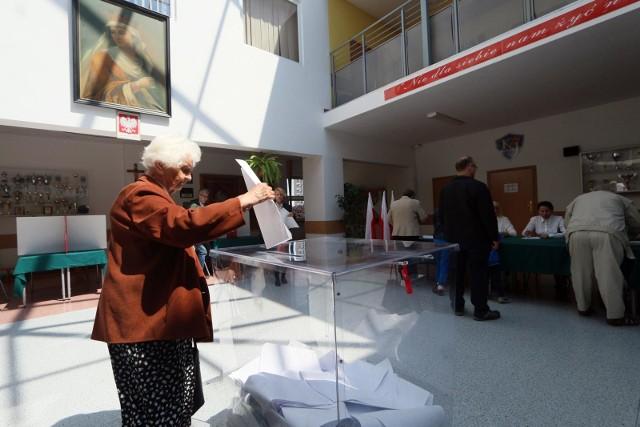 Godziny otwarcia lokali wyborczych: 7.00 - 21.00