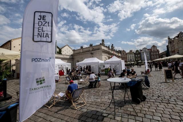 Jedzielnia coraz bardziej wpisuje się w krajobraz Poznania pojawiając się na ulicach miasta już trzeci rok z rzędu. Organizatorzy na każde spotkanie zapraszają poznańskich restauratorów, którzy proponują swoje dania za nie więcej niż 10 zł.Kolejne zdjęcie -->