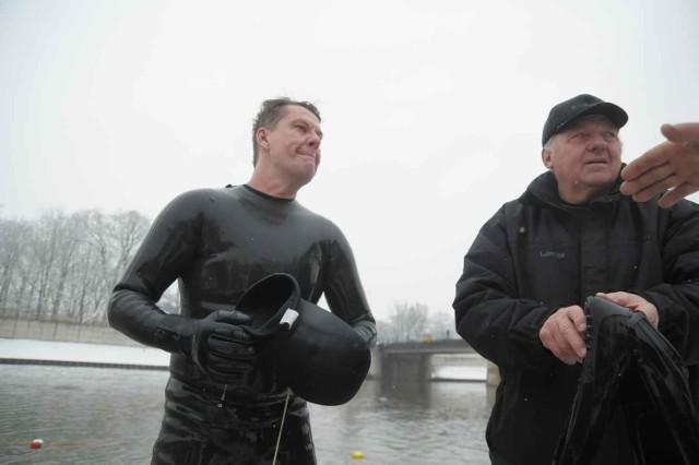 Kedzierzyn-KoLle: Splyw twardzieli rzeką Klodnicą.