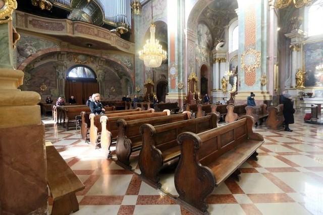 W Archikatedrze Lubelskiej od poniedziałku w nabożeństwach może wziąć udział około 65 wiernych