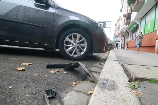 Koronowscy funkcjonariusze szybko ustalili, że kradzież pojazdu to fikcja, a sprawcą kolizji jest 26-latek, właściciel auta. Policjanci wezwali mężczyznę do komisariatu. I wszystko się wydało: mężczyzna przyznał się, że jest sprawcą zdarzenia drogowego i nikt mu nie ukradł pojazdu.Zdjęcie ilustracyjne.