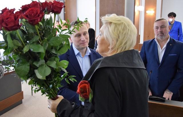 Gratulacje Krzysztofowi Brejzie złożyła starosta Wiesława Pawłowska