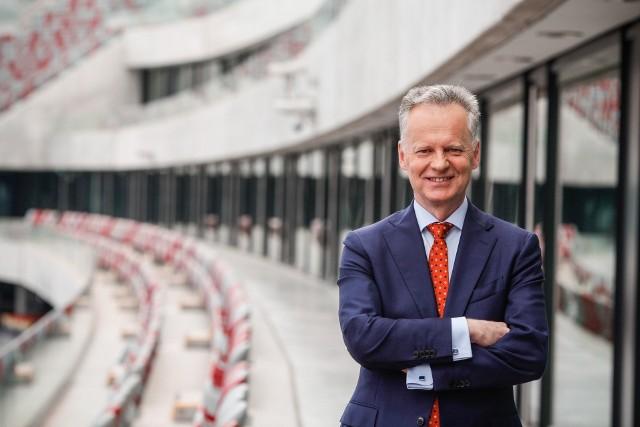 - Budujemy w Rzeszowie nowoczesne centrum R&D dla całej Grupy Asseco. Do innowacji podchodzimy realistycznie, bo musimy liczyć się z konkretnymi możliwościami i podejmować takie działania, które będą zwiększały naszą skuteczność – odpowiada Adam Góral, prezes zarządu Asseco Poland.