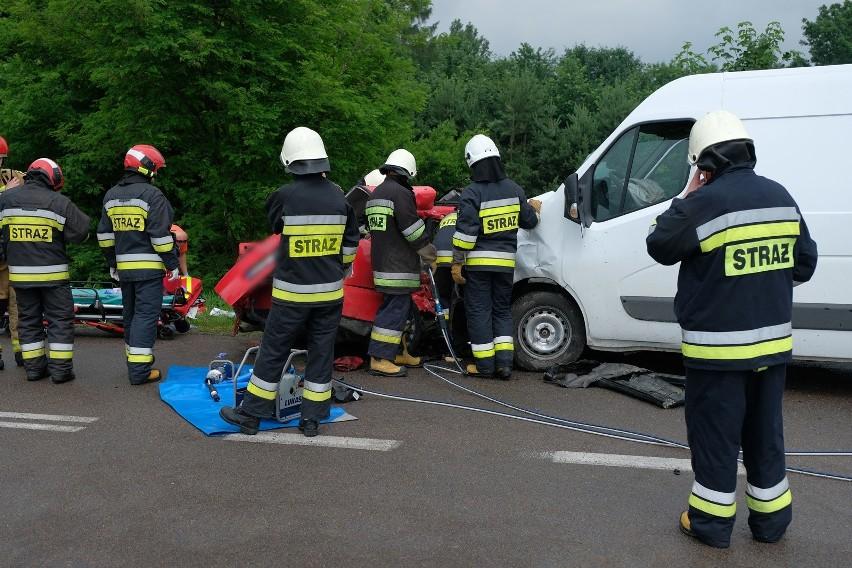 Do wypadku doszło w poniedziałek o godz. 12 na drodze...