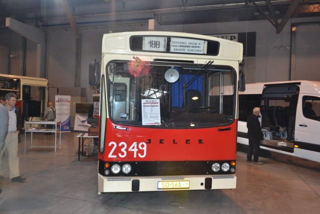 Sosnowiec: Stare i nowe autobusy na targach transportowych w Expo Silesia