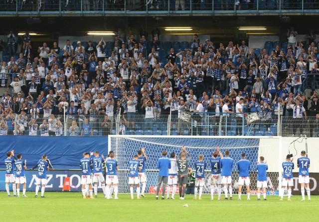 Lech Poznań ostatni raz mógł grać przed swoimi kibicami 19 września 2020 roku podczas wygranych derbów z Wartą Poznań 1:0.