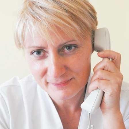 Magdalena Świrkowicz. Ordynatorem oddziału neonatologii jest od dwóch lat. Me specjalizację z neonatologii, pediatrii i anestezjologii. Mieszka w Poznaniu, mąż jest lekarzem. Ma trójkę dzieci: dwóch synów i córkę - wszyscy studiują medycynę.