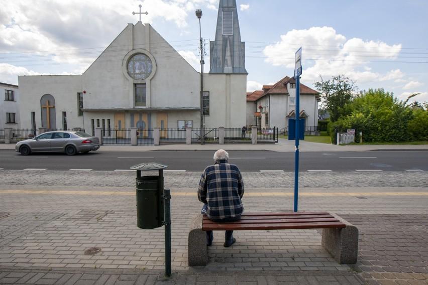 Przystanek Saperów - Zakątek naprzeciwko kościoła...