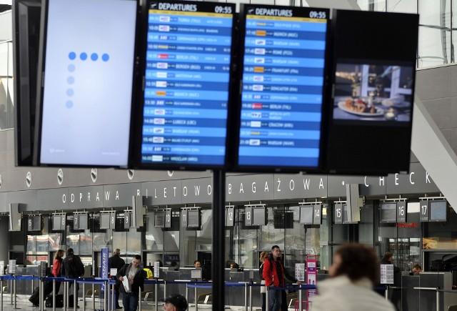 Decyzja o dodatkowej walizce podjęta na ostatnią chwilę również nie sprzyja oszczędnościom.