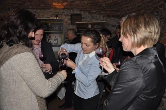 Uczestnicy spotkania byli oczywiście częstowani młodym  winem.