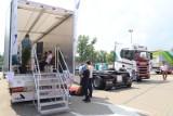 Ogromne tiry zaparkowały w sobotę na parkingu przed Atlas Areną, wśród atrakcji jazda monster truckiem