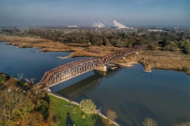 Niemcy przygotowują teren pod budowę nowego mostu na Odrze. W czasie prac znaleziono niewybuch.