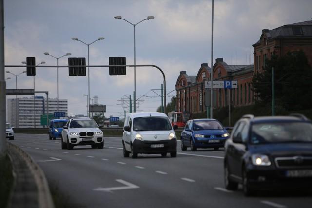 Mecz Polska Włochy: utrudnienia w ruchu w Chorzowie i Katowicach. Które ulice zamknięte? Gdzie będą korki?