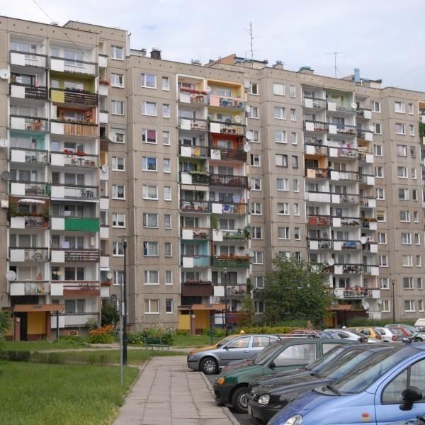 Mieszkania w blokowiskach już bardzo wyraźnie tracą na wartości.
