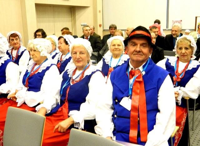Część kapeli ludowej Łochowianie. Muzycy gościli w Urzędzie Marszałkowskim w Toruniu