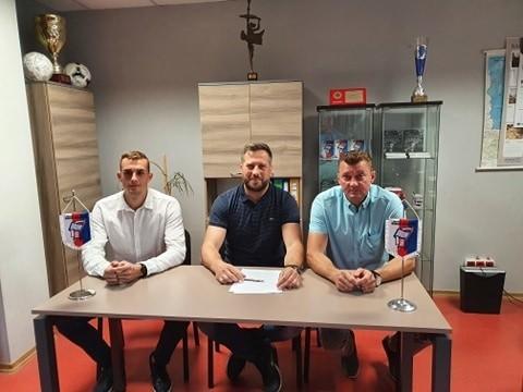 Artur Kupiec (z prawej) nowy trener Broni Radom.