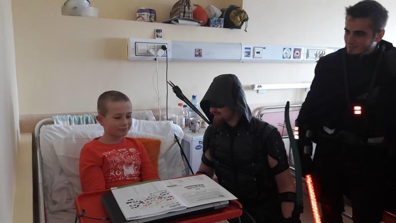 8-letni Michał walczy z nowotworem. Pomagają mu tysiące osób