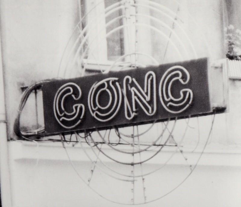 Kino powstało w pierwszej połowie XX wieku przy ul. Wielkiej...