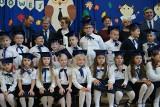 Ślubowanie uczniów klas pierwszych w Szkole Podstawowej w Dwikozach. Było bardzo uroczyście. Zobaczcie zdjęcia