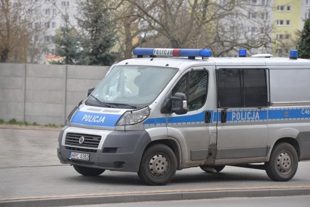 policja, radiowóz, zdjęcie ilustracyjne.