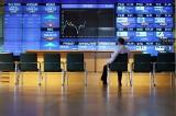 Inwestorzy przyhamowali. Czekają na kolejne ruchy Trumpa