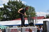 Ogromne kolejki po rybę w Osiecznicy. Święto Karpia znów oblegane (ZDJĘCIA)