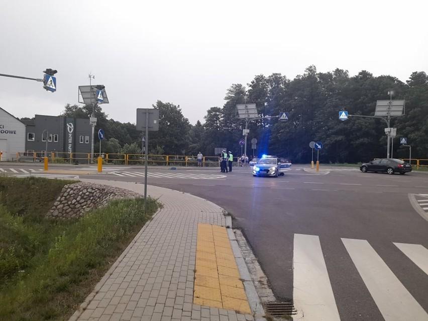 Ogrodniczki. Pijany kierowca potrącił rowerzystę na przejściu dla pieszych. Nie żyje 72-letni mężczyzna [ZDJĘCIA]