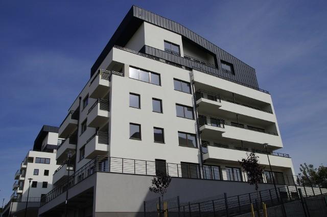 Ronson będzie budował kolejne mieszkania w SzczecinieCechą charakterystyczną szczecińskiego projektu jest kaskadowa forma zabudowy, która w połączeniu z naturalnym nachyleniem terenu w kierunku południowym sprawia, że z każdego budynku roztacza się wyjątkowy widok na całą panoramę miasta.