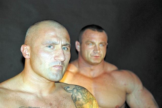 Marcin Najman (na pierwszym planie) chce wygrać ze sławnym rywalem.