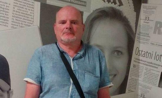 Robert Sieradzki poczuł się urażony, gdy kierująca autobusem nie chciała opuścić platformy tłumacząc się koronawirusem.