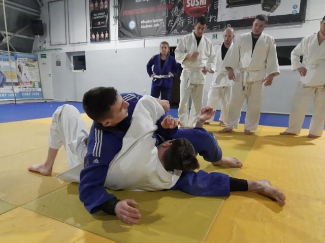Mieszkańcy Grunwaldu mogą uczestniczyć w darmowych treningach judo z elementami samoobrony prowadzonych przez trenerów z Akademii Judo w Poznaniu