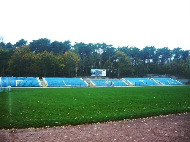 Na stadionie jak i w szatni zespołu Floty Świnoujście trwają pracę przygotowawcze do rozgrywek I ligi. Do inauguracji pozostało już tylko 8 dni.