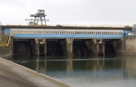 Elektrownia na zaporze w Nysie.