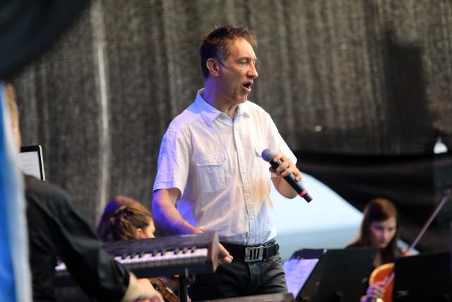 Dyrektorem artystycznym tegorocznych warsztatów Cho Jazz jest wokalista Janusz Szrom