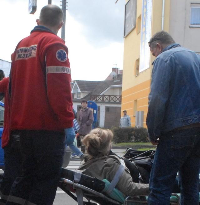 Wczoraj po 14.00 na pasach na ul. Myśliborskiej osobowy opel potrącił 31-letnią kobietę
