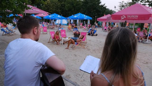 Tauron Silesia Beach na plazy przy Stadionie Śląskim.Zobacz kolejne zdjęcia. Przesuwaj zdjęcia w prawo - naciśnij strzałkę lub przycisk NASTĘPNE