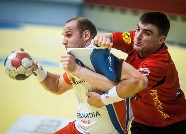 Grzegorz Garbacz zarówno w obronie, jak i ataku był gorszy od Pawła Stołowskiego.