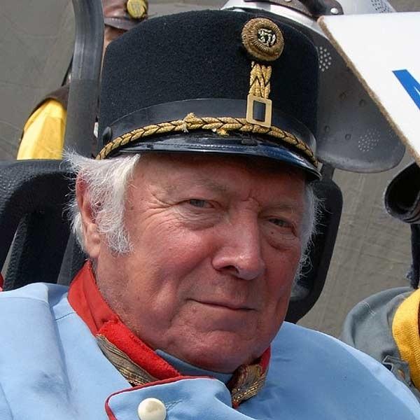 Feldmarszałek Jan Hołówka, przemyślanin, stanął na czele polskich szwejkologów.