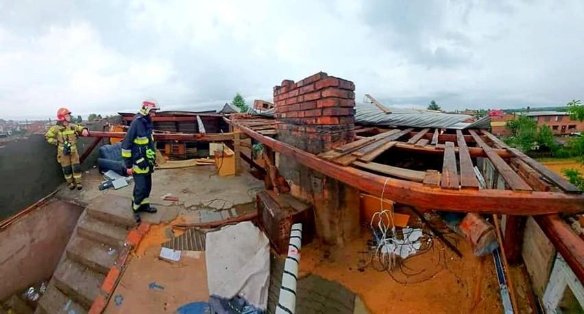 W Starokrzepicach żywioł zerwał trzy dachy.