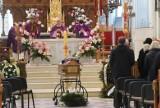 Uroczysty pogrzeb naszego księdza Zbigniewa Towarka. Zmarłego kapłana żegnali najbliżsi