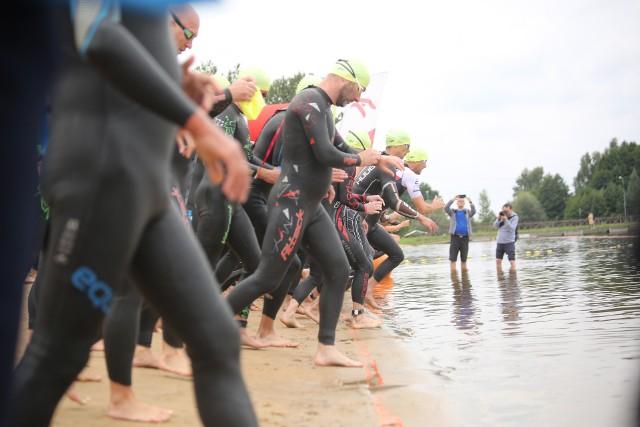 Na Dojlidach ponad 400 zawodników rywalizowało w triathlonowych zawodach Elemental Tri Series.