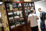 Zakaz handlu w niedziele ograniczy spożywanie alkoholu?