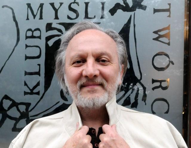 Dr Zbigniew Sejwa pracuje w Miejskim Ośrodku Sztuki w Gorzowie