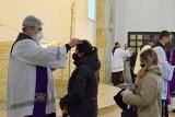 Środa Popielcowa 2021. Wielu wiernych na mszach świętych. W tym dniu rozpoczyna się Wielki Post [ZDJĘCIA]