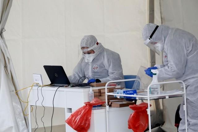 We wtorek, 12 maja, potwierdzono 595 nowych zakażeń koronawirusem
