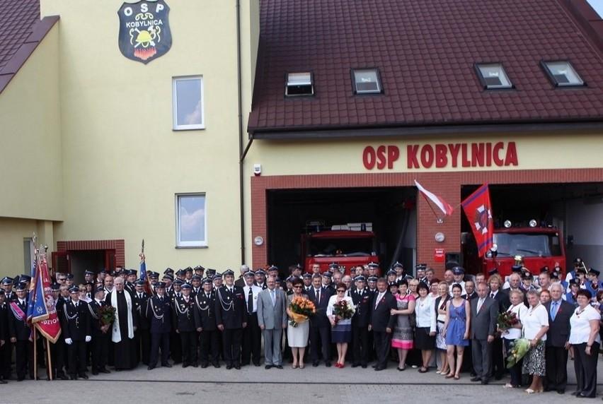 W Kobylnicy otwarto nową remizę ochotniczej Straży Pożarnej. Otwarcie zbiegło się z jubileuszem 80-lecia OSP Kobylnica.