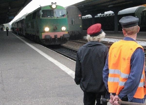 Grudziądzcy kolejarze obawiają się o los swój i  pasażerów.