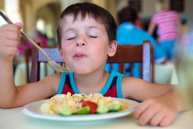 Zdrowa żywność w szkole to nie wszystko - ważny jest także jadłospis, jaki ułożysz swemu dziecku