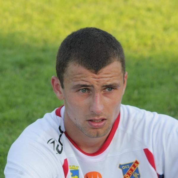 Wydział Gier Polskiego Związku Piłki Nożnej rozwiązał z winy klubu kontrakt z Odrą Opole pomocnika Marcin Pontusa.